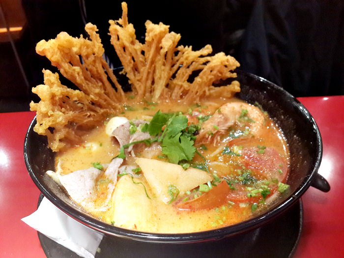 【食記】瓦城新口味.大心新泰式麵食 @信義威秀