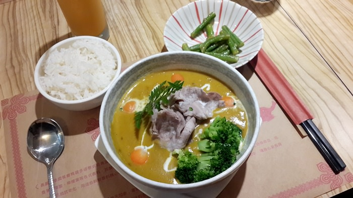 【食記】長鼻子泰國餐廳.一個人的午餐 @中山站