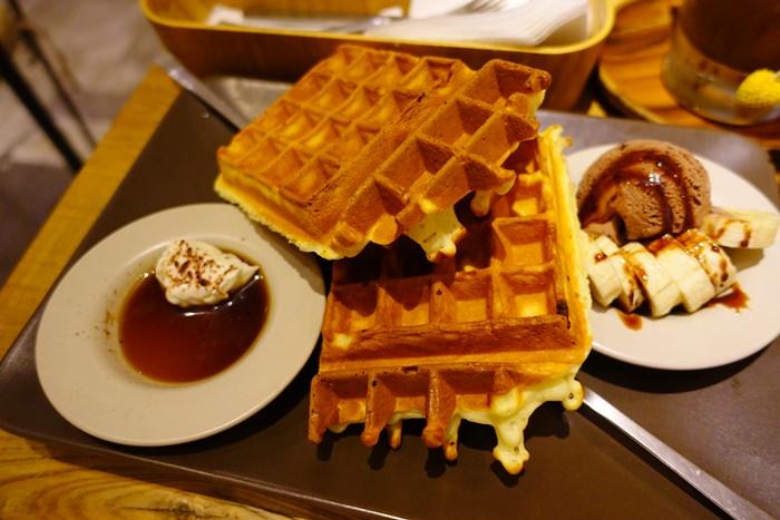 【食記】多麼Cafe+ 多麼咖啡.口味繁多的雙醬鬆餅 @六張犁捷運站