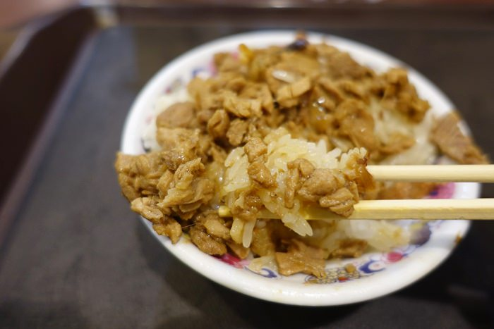 【嘉義.小吃】- 阿岸米糕.源興御香屋.文化路夜市美食(2)