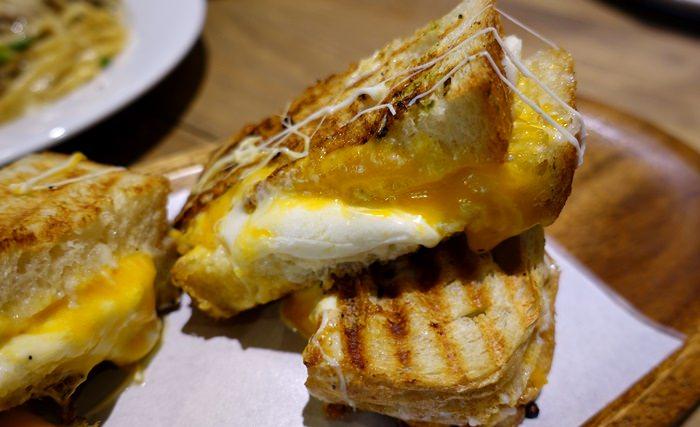 【食記】MiaCucina 義式蔬食料理(復興店) .康熙來了推薦的超牽絲帕尼尼 @忠孝復興站